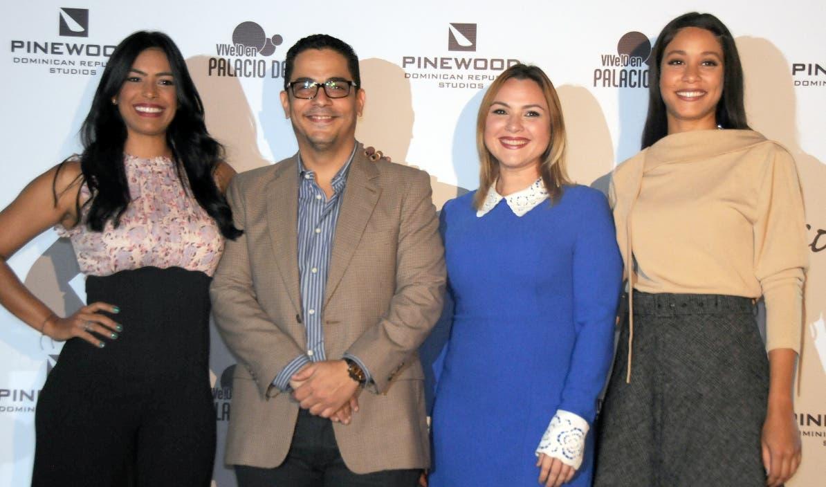 """Parte de los actores de la película """"Cindirello"""",  dirigida por Beto Gómez .  Nicolás Monegro"""