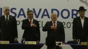 El canciller de El Salvador  entregó la presidencia a Bolivia.