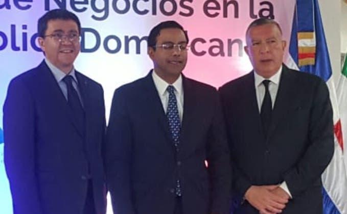 Andrea Canepari, Marius de León y Ricardo Pellerano.