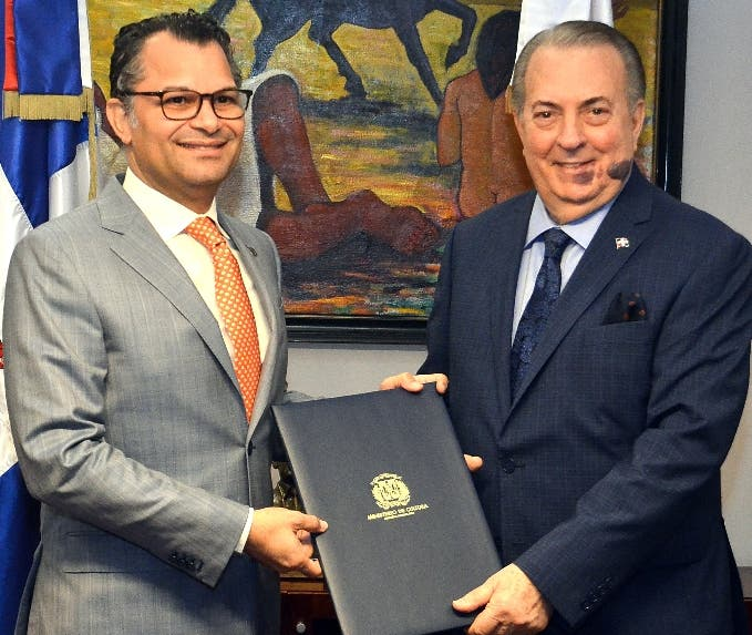 Excel, grupo de banca de inversión, y el Ministerio de Cultura anunciaron la firma de un acuerdo de colaboración para la elaboración de una publicación