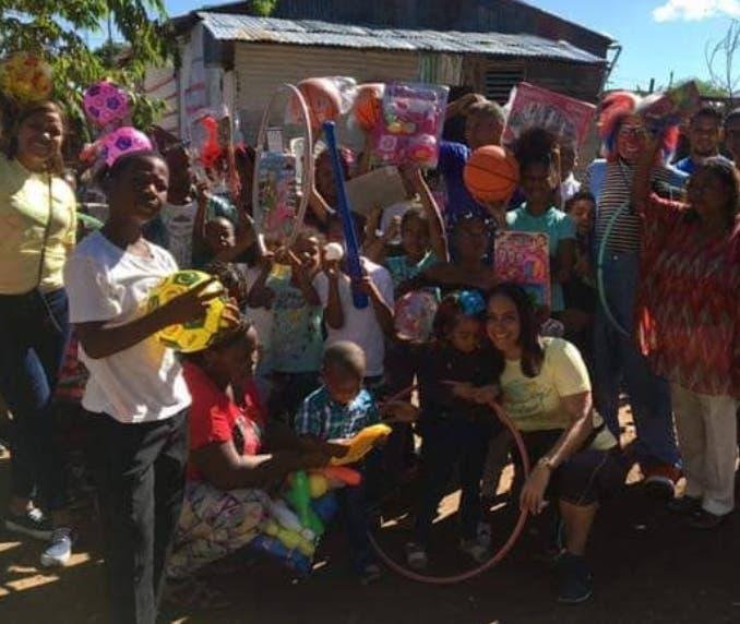Niños de La Zolana, en La Victoria, beneficiados con la entrega de juguetes.