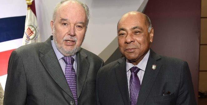 Domingo García Belaúnde y Milton Ray Guevara