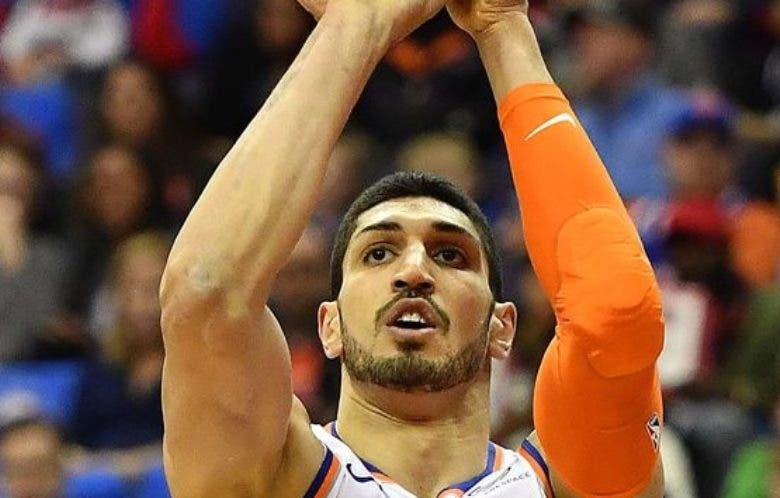 Enes Kanter,  de los Knicks,  está acusado de ser un  terrorista.
