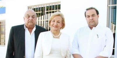 Alejandro Farach, Matilde de Farach y Alejandro Farach Cruz (Hijo).