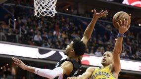 Stephen Curry está demostrando que es uno de los mejores jugadores de la NBA.  AP