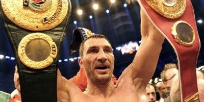 Wladimir Klitschko, excampeón pesado, dice que no retorna.