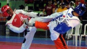 Bernardo Pie, izquierda, durante una de las competencias en que salió triunfante.