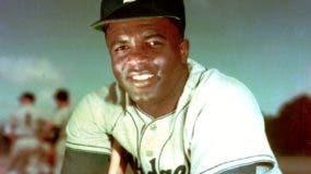 Jackie Robinson rompió la barrera de color en las Mayores.