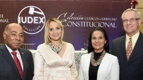 Milton Ray Guevara, Johanna Monagas de Ray, Yanira Copley y Robert Copley.