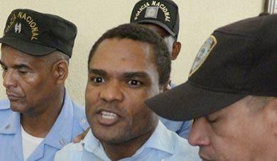 Condenan a exembajador Donni Santana a 20 años de prisión por incesto