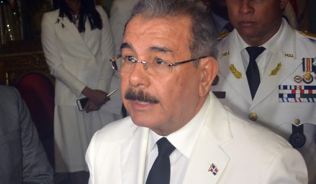 El presidente   Medina recibió ayer cartas credenciales de seis nuevos embajadores acreditados.