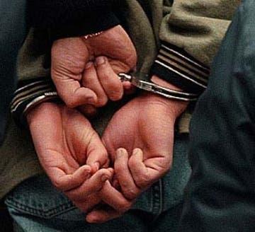 Los hombres fueron acusados de varios delitos.