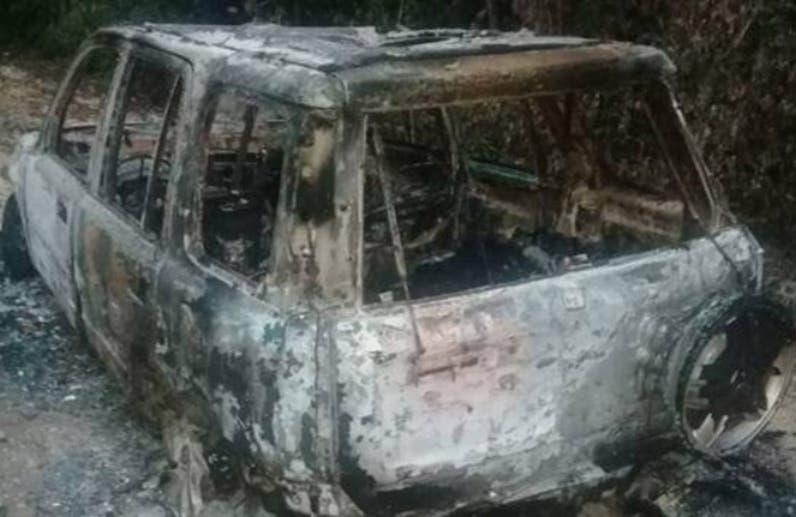 Vehículo donde fueron halladas dos de las víctimas.