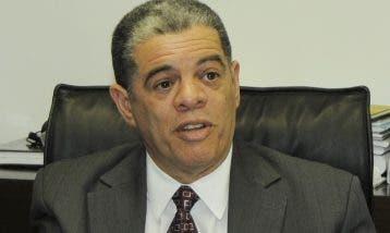 Carlos Amarante Baret, aspirante por el PLD.