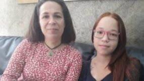 Vanessa Flores y su madre.