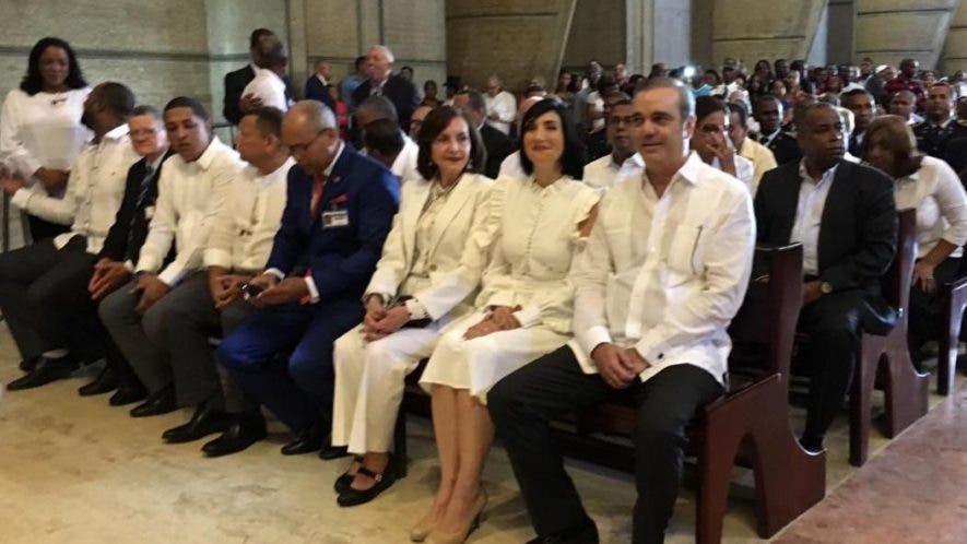 Luis Abinader en la Basília durante la misa con motivo del Día de la Altagracia, protectora del  pueblo dominicano.
