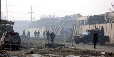 """En nombre de los talibanes, su portavoz, Zabihullah Mujahid, reivindicó la autoría del atentado, y horas después en un segundo comunicado aseguró que en el ataque """"al menos 90 miembros de las fuerzas de seguridad murieron y hasta 100 resultaron heridos""""."""