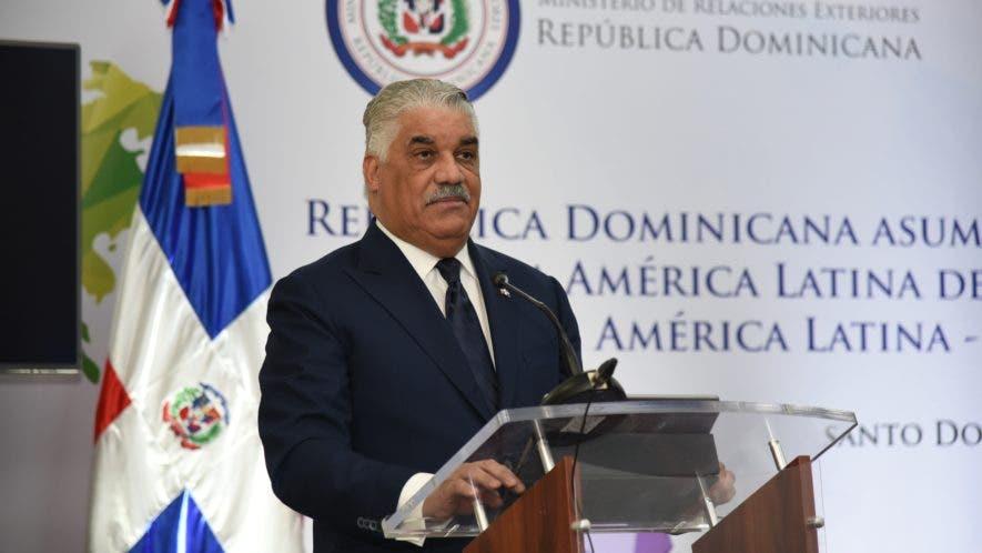 Miguel Vargas, canciller.