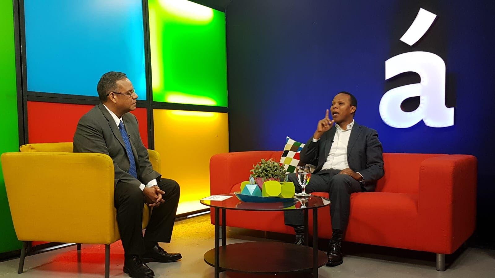 """Milton Morrison fue entrevistado por Gustavo Olivo en el programa """"A Partir de Ahora"""" que se difunde por Acento TV."""