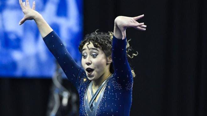Katelyn Ohashi participando en una competencia en 2018.