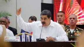Maduro rechaza que se lo catalogue como un dictador y desacredita los cuestionamientos de la oposición y la comunidad internacional al proceso electoral del 20 de mayo en el que alcanzó la reelección.