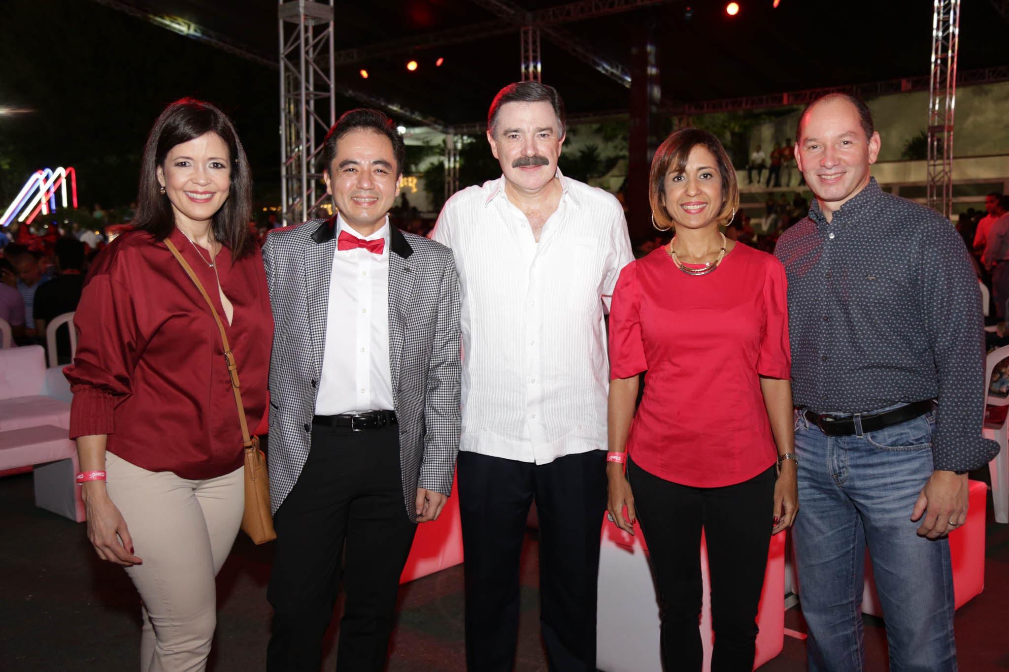 Gerty Valerio, Francisco Marmolejo, Rogelio Viesca, Sandra Tejeda y Omar Acosta.