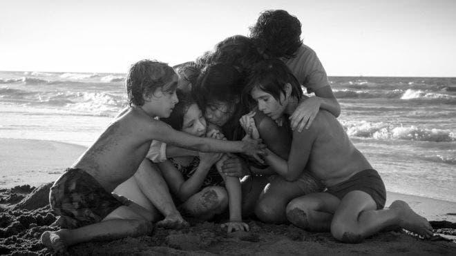 """""""Roma"""" es el relato sobre el México de los 70 que propone el cineasta Alfonso Cuarón."""