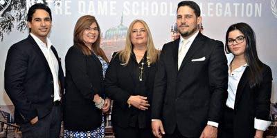 Arnaldo Ruiz-Alma, Grace Gómez de Herrera, María Lorraine de Ruiz-Alma, Gabriel Ruiz-Alma y Grace Marie Herrera.