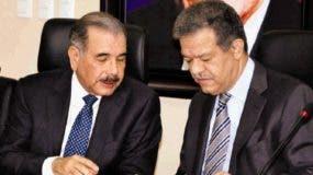 El presidente Danilo Medina y el expresidente Leonel Fernández encabezan el liderazgo dentro del PLD.  ARCHIVO