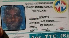 Documento de identidad del exteniente del Ejército Modesto José Guzmán.