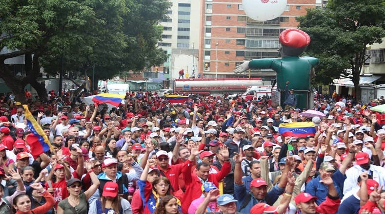 1. Venezolanos salieron a las calles este miércoles 23 de enero asumiendo el llamamiento que hiciese Nicolás Maduro.