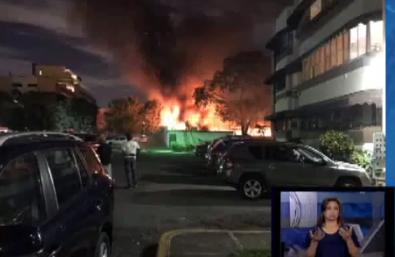 El incendio se registró pasadas las 12: 00 de la madianoche.