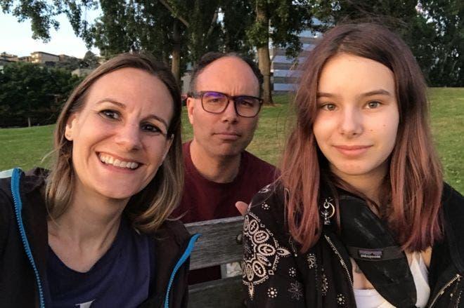 Jessica y Aaron con su hija Alice.