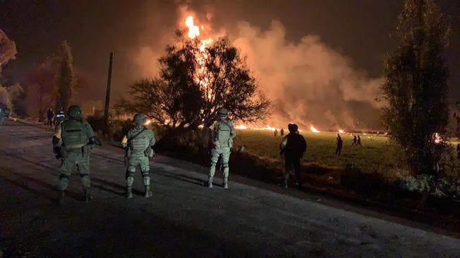 Muchos de los heridos sufren graves quemaduras y se teme que se encuentren mas cadáveres calcinados en las cercanías del ducto.