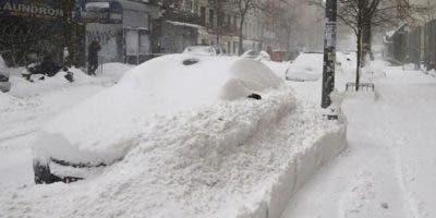 En las próximas 24 horas, la mayoría del norte del estado experimentará fuertes vientos y entre dos y siete pulgadas de nieve, aunque impera la posibilidad de acumulaciones de hasta 20 pulgadas en ciertas localidades.