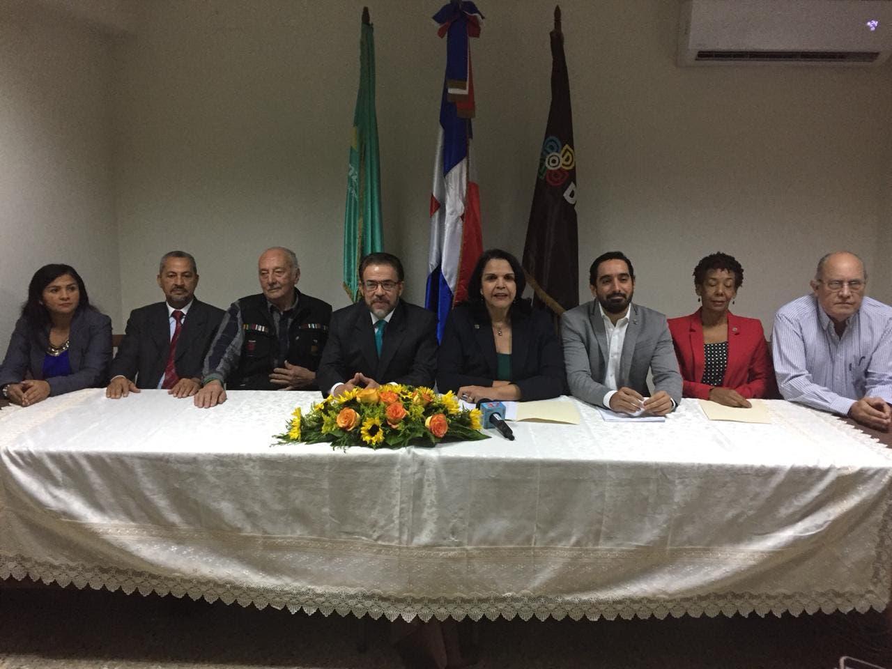 La JCE rechazó la solicitud realizada por los partidos Opción Democrática y Alianza País de participar en una coalición de partidos en las primarias simultáneas a ser celebradas en octubre.