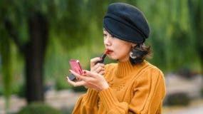 El gobierno chino quiere alentar a las mujeres jóvenes a casarse y tener hijos.
