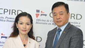 Anne Long y Richard Wu Jia.