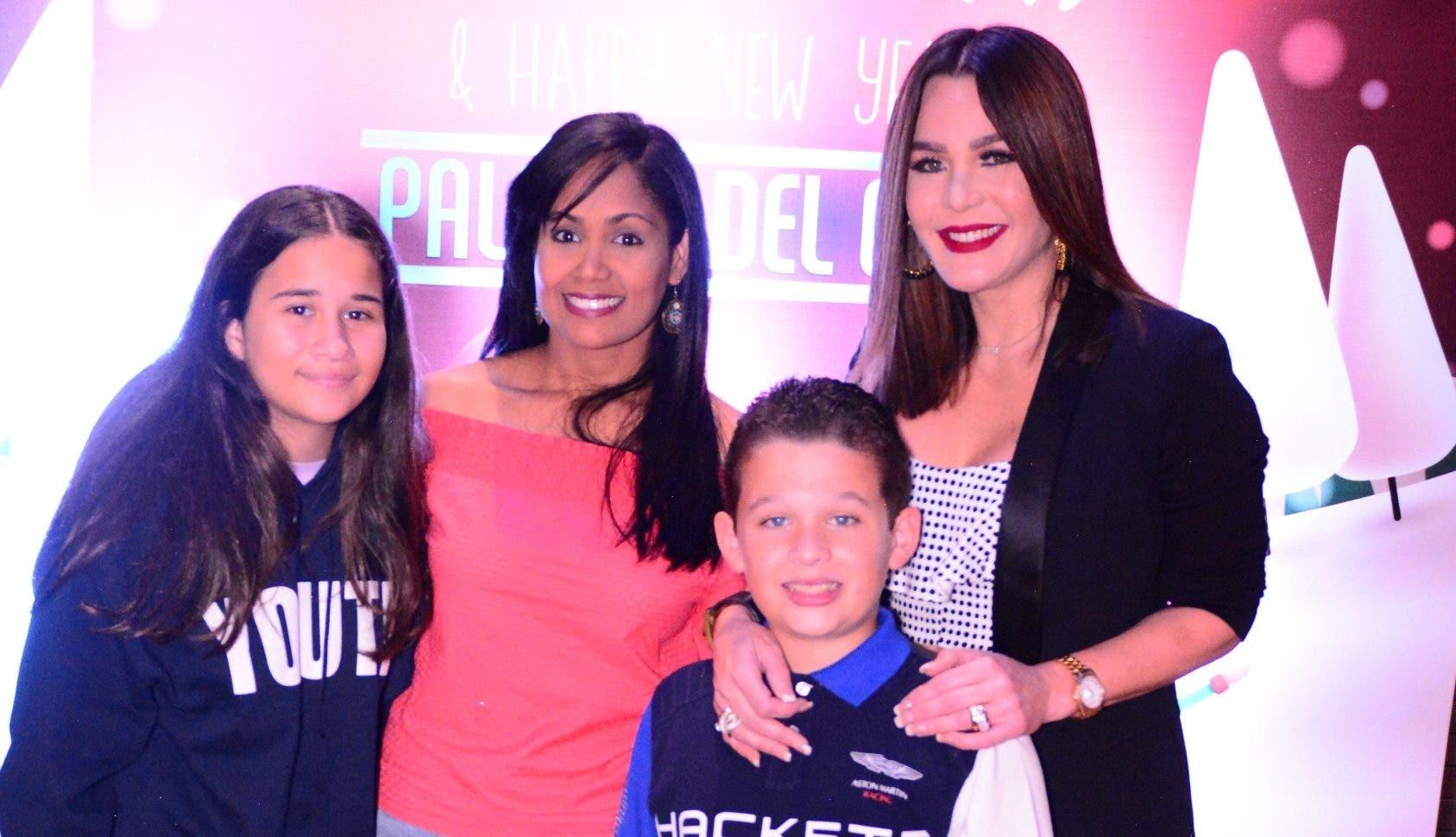 Isabella Severino, Natasha Rodríguez, Miguel Ángel Soto García y Luz García.