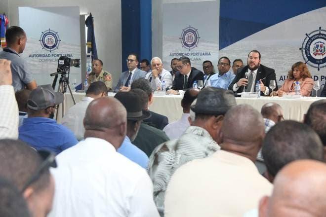 La convocatoria estuvo encabezada por el director ejecutivo de Autoridad Portuaria Dominicana, Víctor Gómez Casanova.