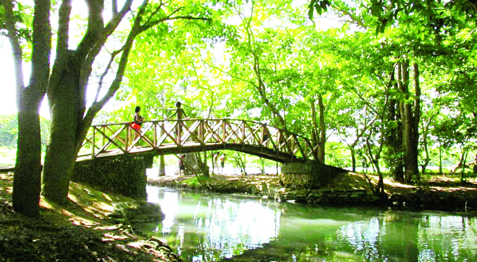 El entorno natural cuenta con senderos que  ya son escenarios para fotografías y eventos recreativos.  Elieser Tapia