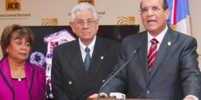 Rosario Graciano, Roberto Saladín y Castaños Guzmán.