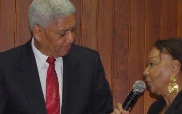 Nelson Guillén habló al recibir misión Guadalupe.
