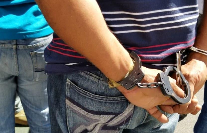 Féliz Santos permanecerá detenido a espera de extradición.