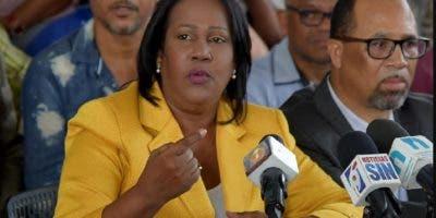 Xiomara Guante reclama cumplimiento de acuerdos.