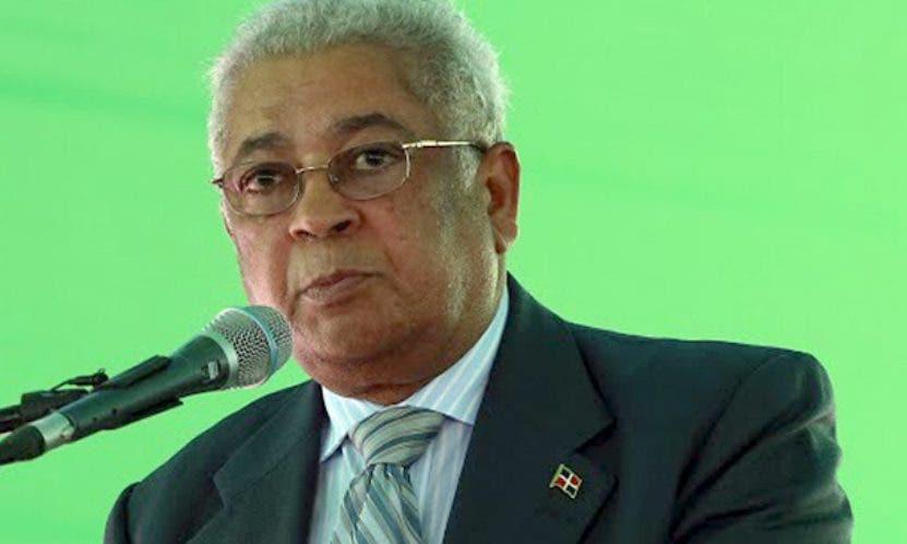 Julián Santana, administrador de  la ETED.   Archivo
