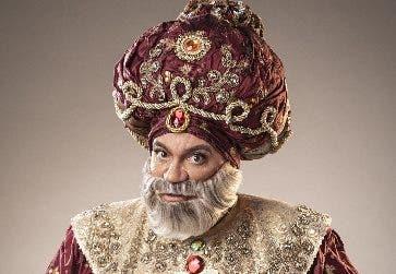 """Kenny Grullón en el papel de """"Abdul"""" el Sultán."""