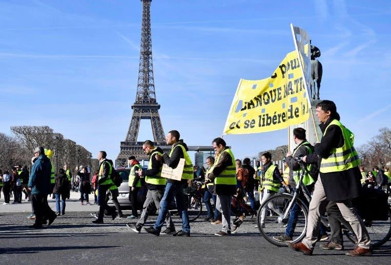 Tienen 14 fines de semana protestando   en las calles.
