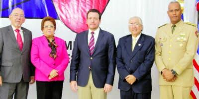 Ricardo Winter, Alejandrina Germán, José A. Aybar, Manuel Bergés y  Valerio García.