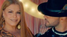 Olga Tañón y Gabriel durante la grabación del video.